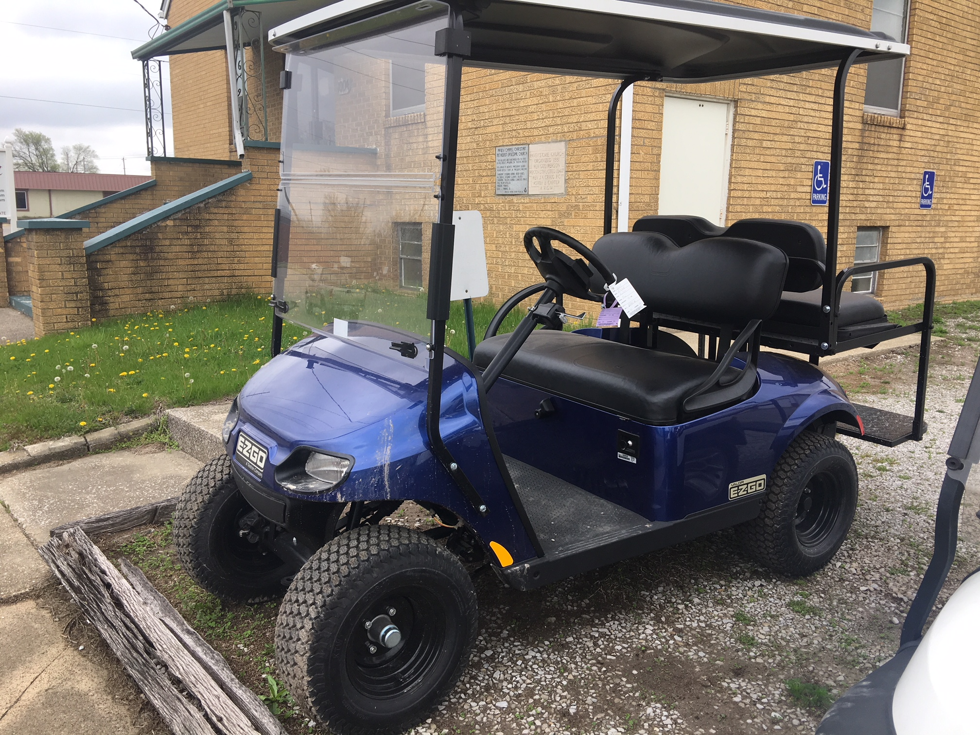 2018 blue EZGO Gas Golf Cart $6995