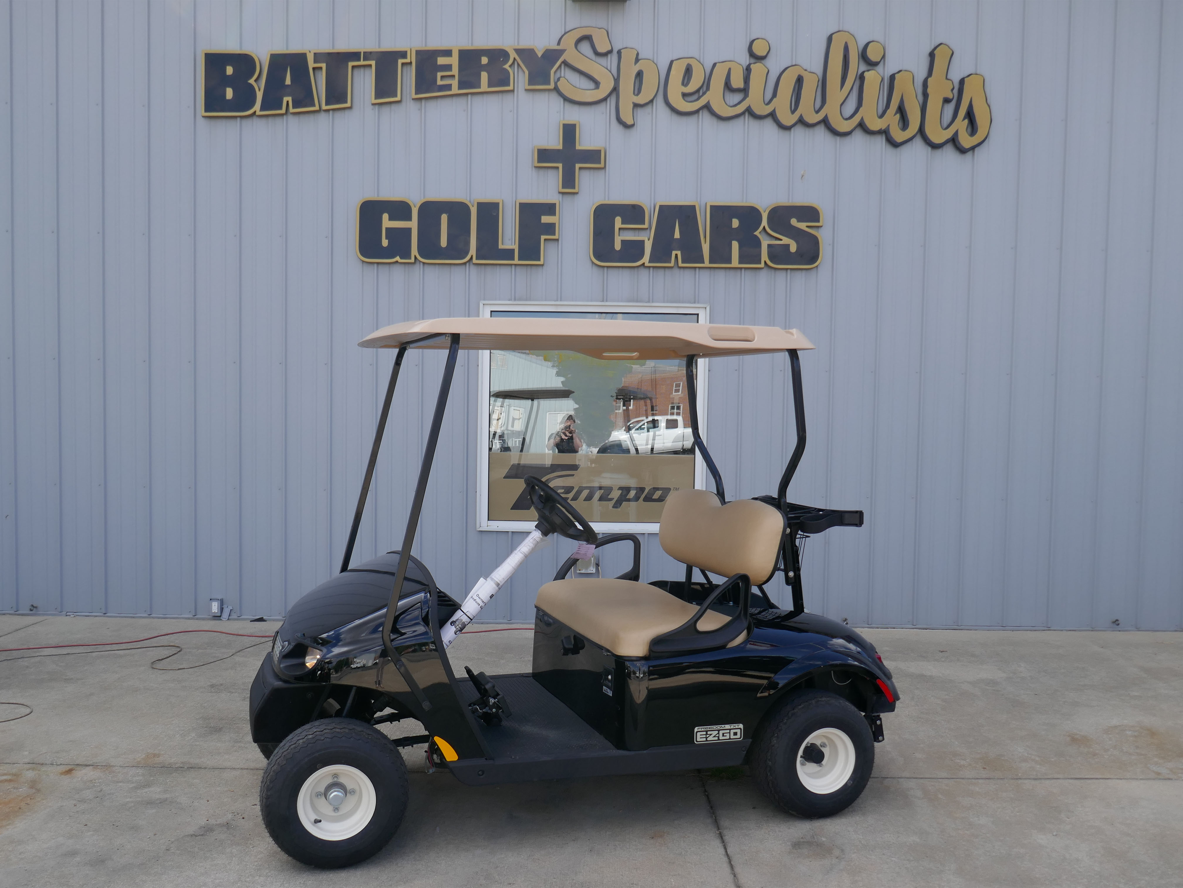 2018 PLATINUM EZGO Electric Golf Cart $7695